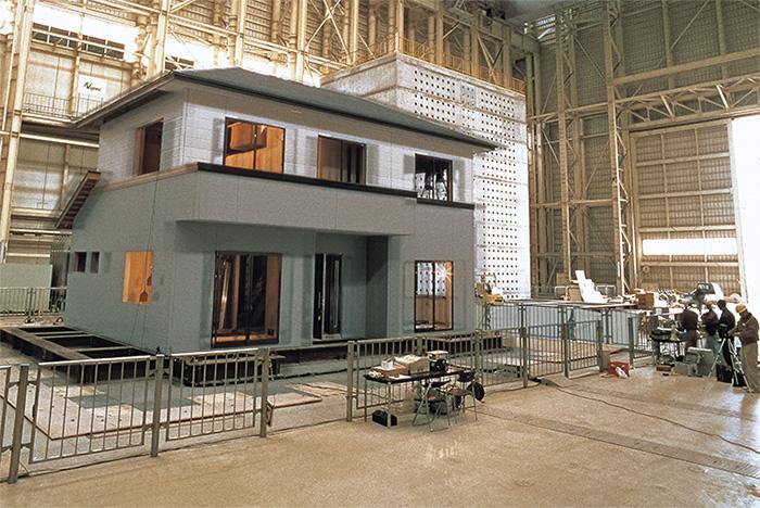 """2階建て以下の木造住宅では義務化されていない""""構造計算""""画像"""